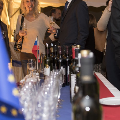 Storočnicu 1. Československej republiky sme oslávili v Bruseli vínom